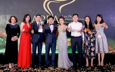 Awards honour 14 business leaders in Vietnam